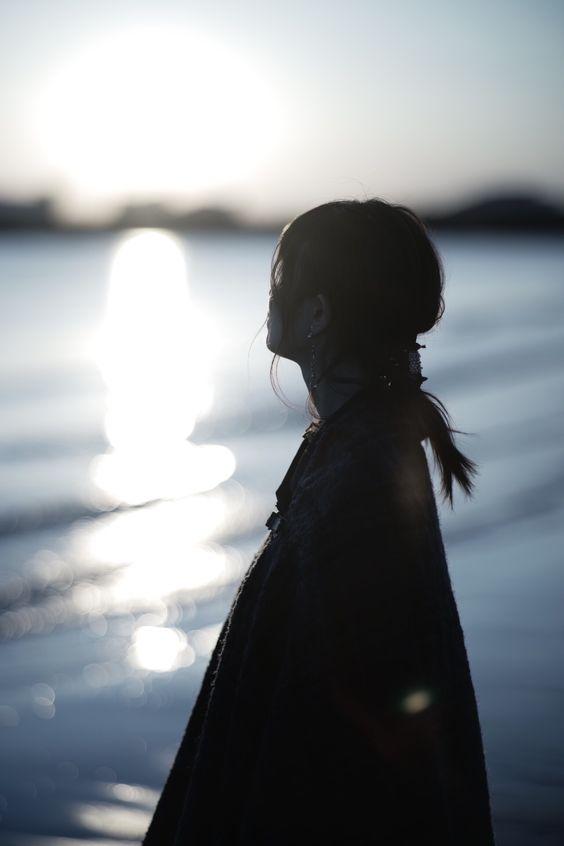 【愛情哲學】正視自己內心的焦慮 一味從男人身上找安全感 只會把他越推越遠