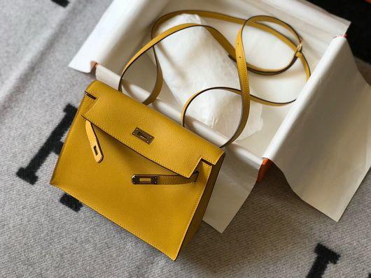號稱Hermès史上最多孭法的Kelly Danse可說是CP值十分高的選擇