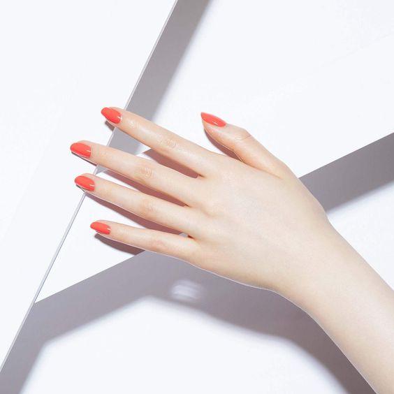橙色的色調是非常貼合皮膚的顏色,顯白效果