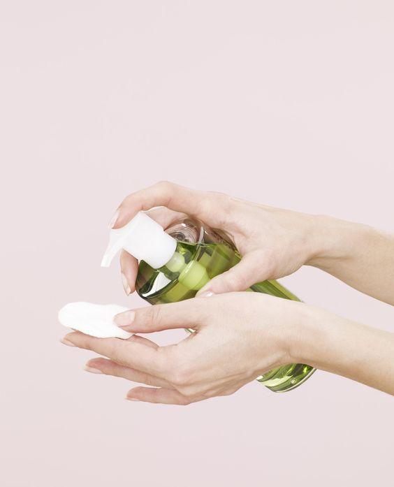 選擇成份簡單的化妝水
