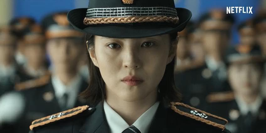 《以吾之名》講述女主角尹智友(韓韶禧飾)在她17歲時親眼目睹父親遇害